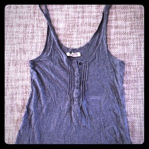 Hollister tank XS Like new